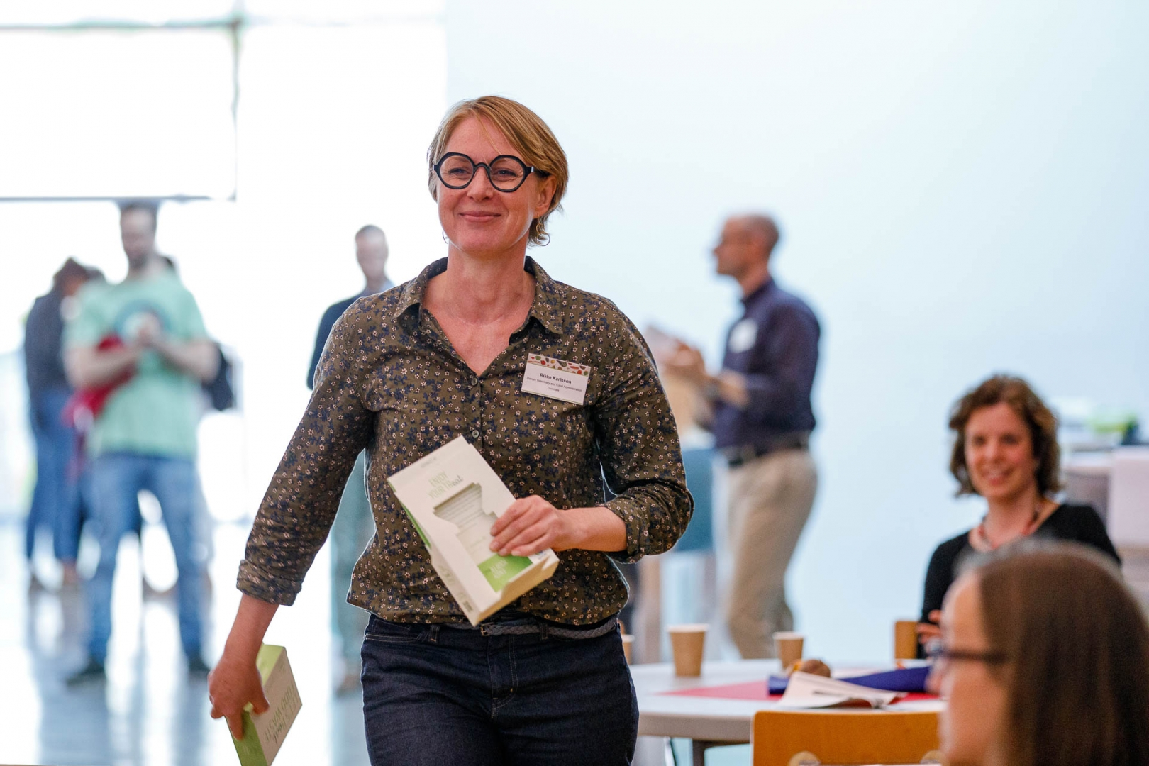The only Danish conference participant Rikke Karlsson promised to transfer the second prize for the TreatBox® to Danish designer Jakob Thomasen who had made his contest submission by mail.